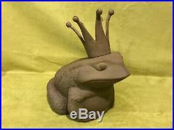 Vtg large cast iron metal frog prince crown yard art sculpture garden decor